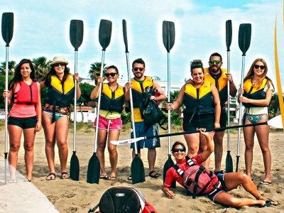 在Cabo de Gata皮划艇,启蒙,孩子们