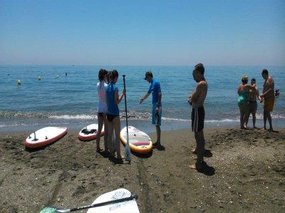 Corso di paddle surf a Málaga 1 ora Bambini
