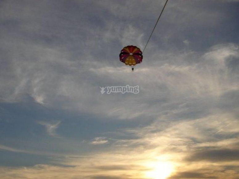 飞过云彩.jpg