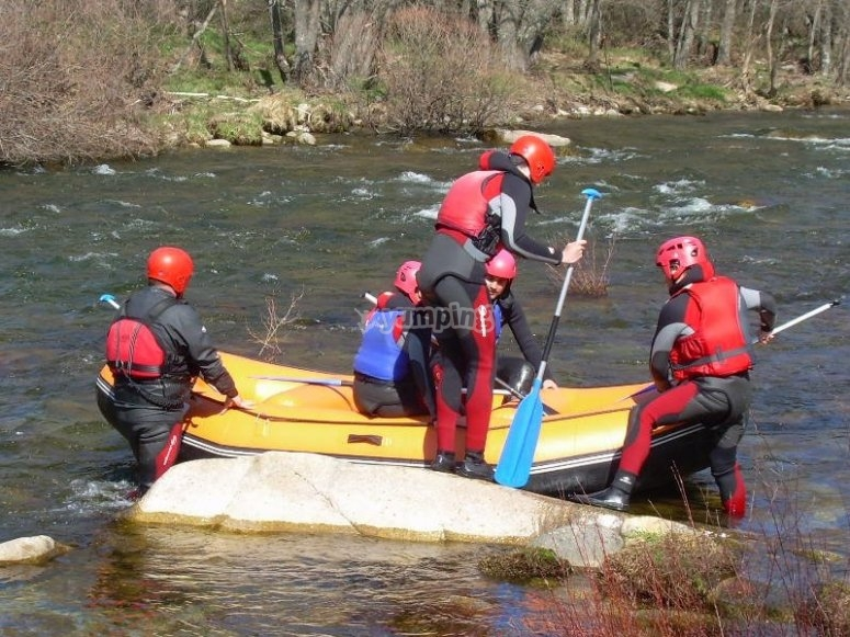Navigating with a raft in the Tormes