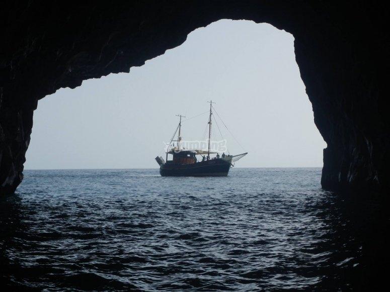 大加那利岛的岩洞穿越