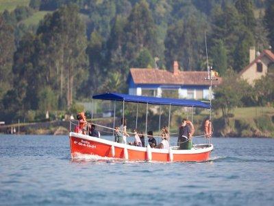 Ruta en barco por el Cantábrico durante 30min