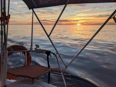Excursión en barco al atardecer y noche Estepona