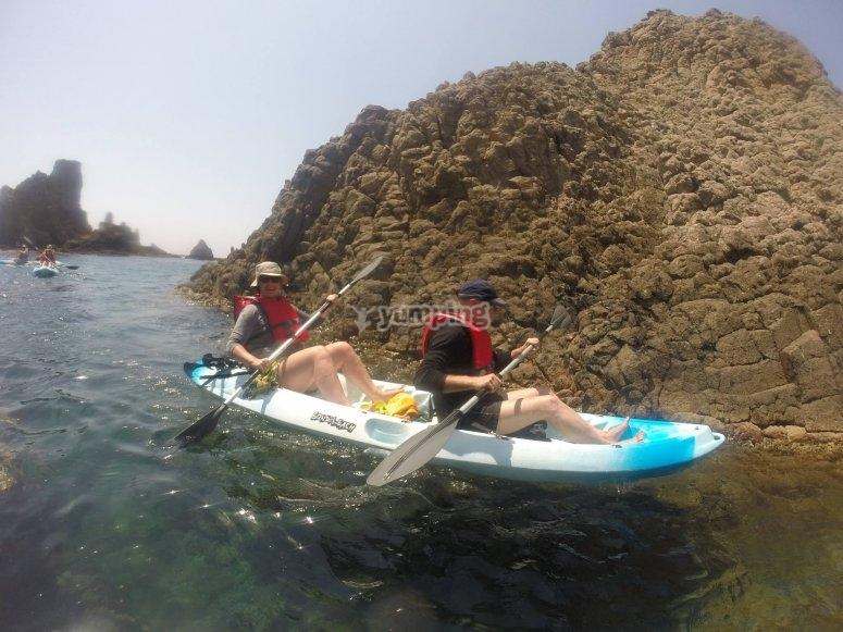 vamos a hacer kayak en parejas