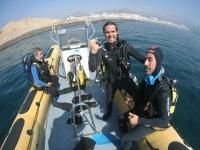 En barco hasta el punto de inmersion