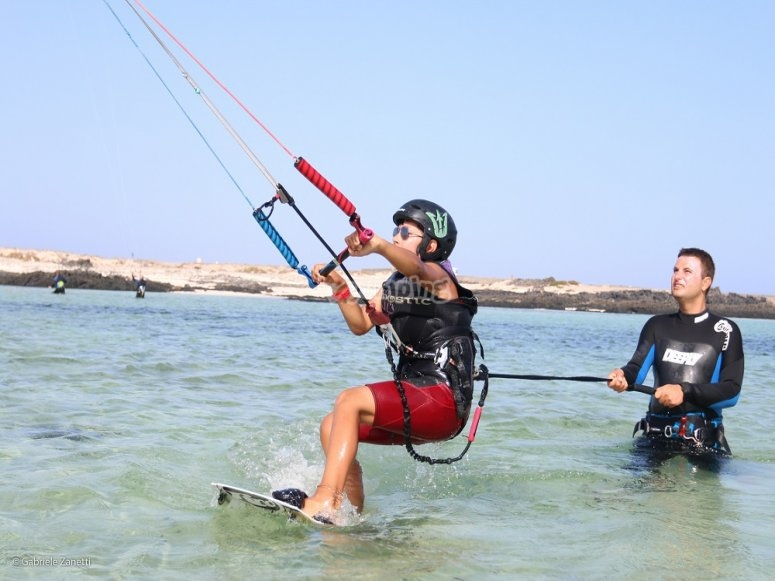Kitesurf con instructor profesional