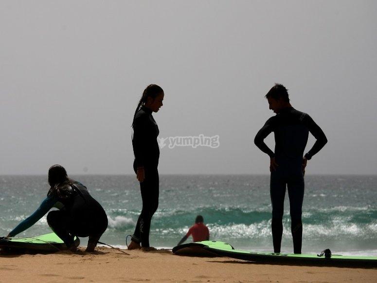Preparando el material de surf