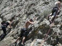 攀岩是团体练习的理想运动。