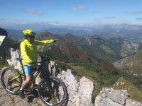 Sosta al punto di vista con la bici