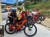 Antes de partir con las bicis