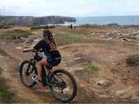 Recorriendo la costa asturiana en bici
