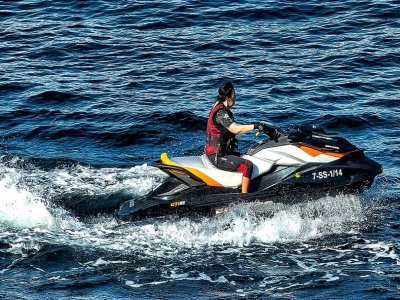 Jet ski rental in Sanxexo - License needed (1 hour)