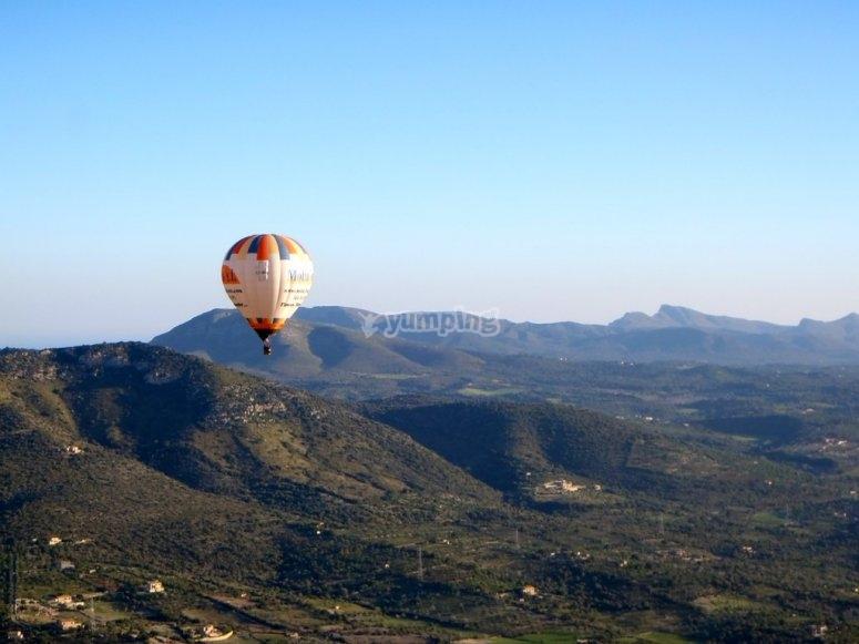 通过Sierra de Mallorca气球
