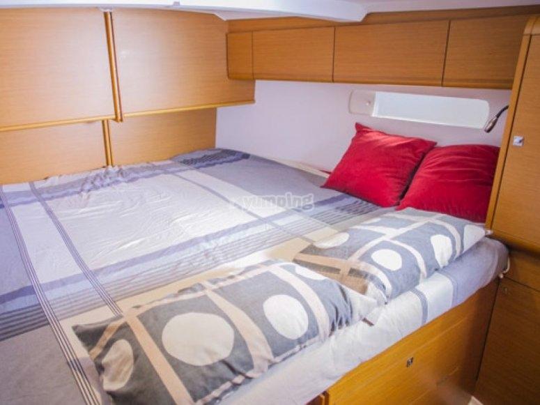 舒适的驾驶室其中一个船舱的