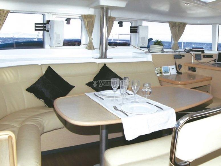 Lujoso interior del barco