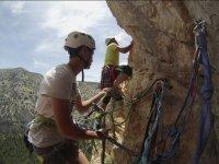Aprendiendo a escalar en roca