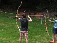 aprendiendo a tirar con arco