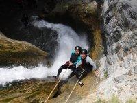 在 Sima del Diablo 溪降与照片轻松 4 小时