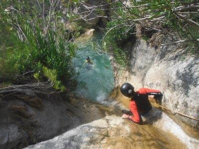 带照片的 Majales 轻松峡谷漂流 3.5 小时
