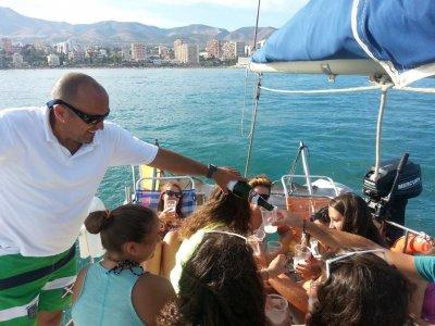 在Benalmádena船上的单身派对3小时