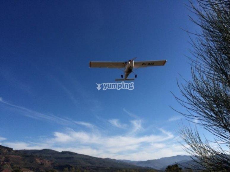 Avioneta sobre Jaén