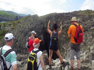 Senderismo interpretativo Cuevas del Mar Asturias