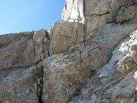 Grapas sobre las rocas