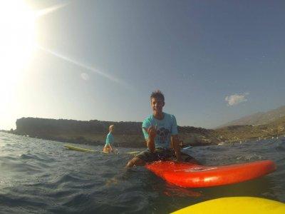 Surf camp en en Adeje 8 días habitación compartida