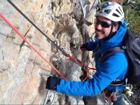 Guide with fasteners in Huesca