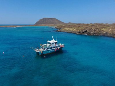 Mini-Cruise & Snorkel in Lobos Island adults 1h