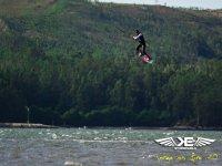 saltando sobre el mar