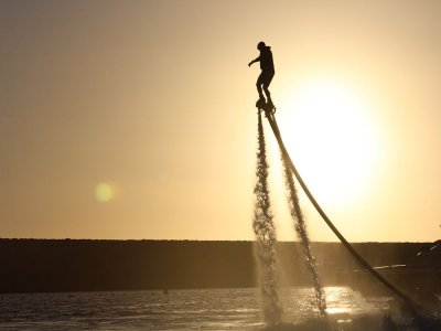 Vuelo en flyboard en Anfi del Mar 30 minutos