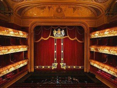 Encuentra la llave del Teatro Real de Aranjuez
