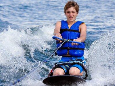 练习大加那利岛的滑水板海岸15分钟