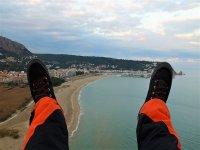 Viendo la costa catalana desde el paramotor