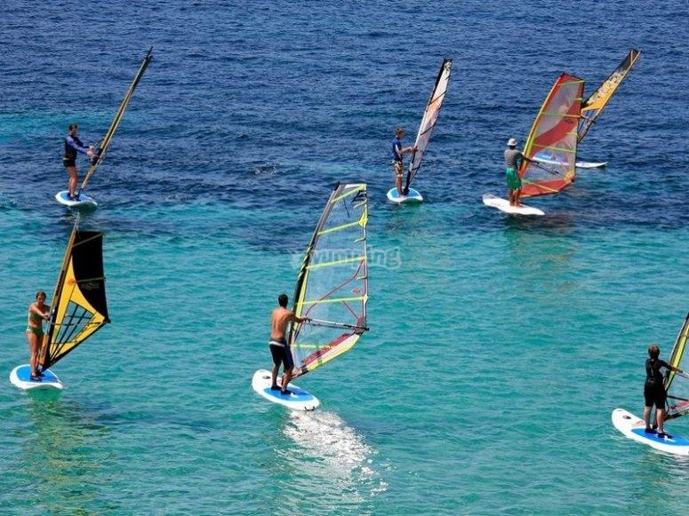 大加那利岛的风帆冲浪活动
