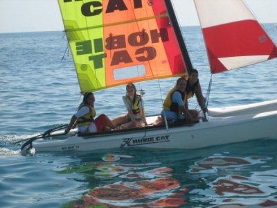 Corso di catamarano a vela a Calella 3 ore
