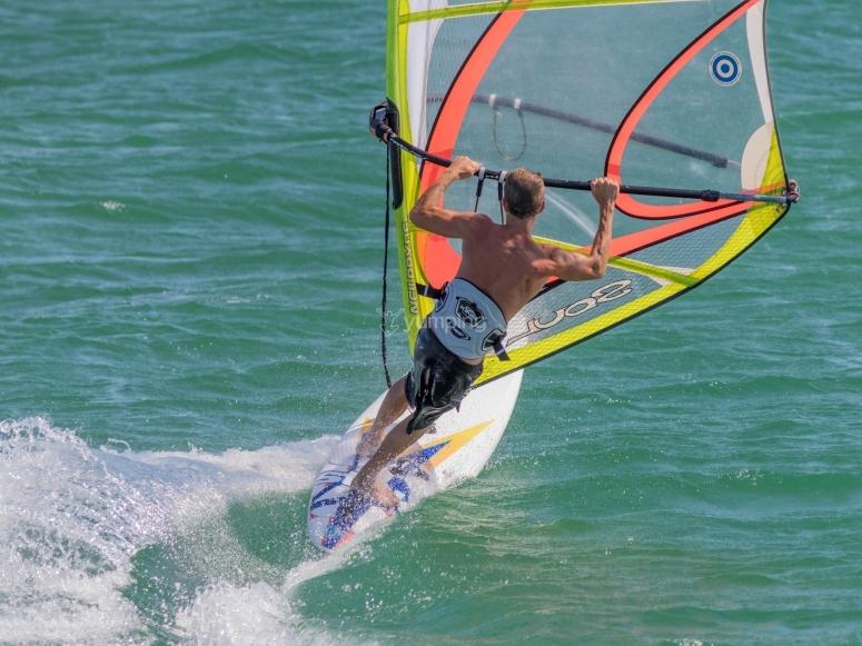 Windsurf en el Mediterráneo