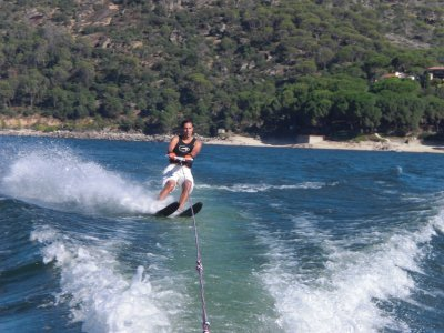 Water-skiing in San Juan reservoir and drink 2h