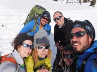 Group with snowshoe guides