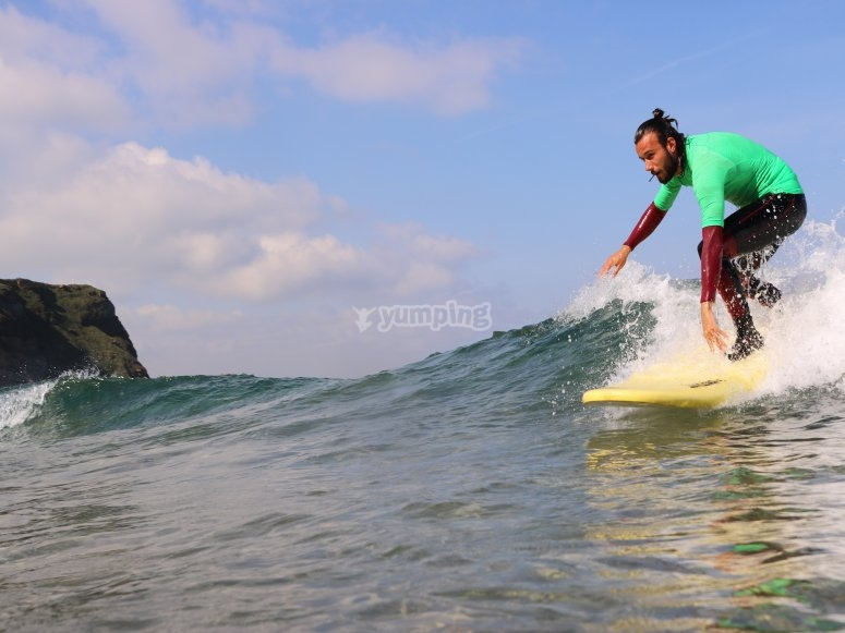 坎塔布里亚的冲浪课程