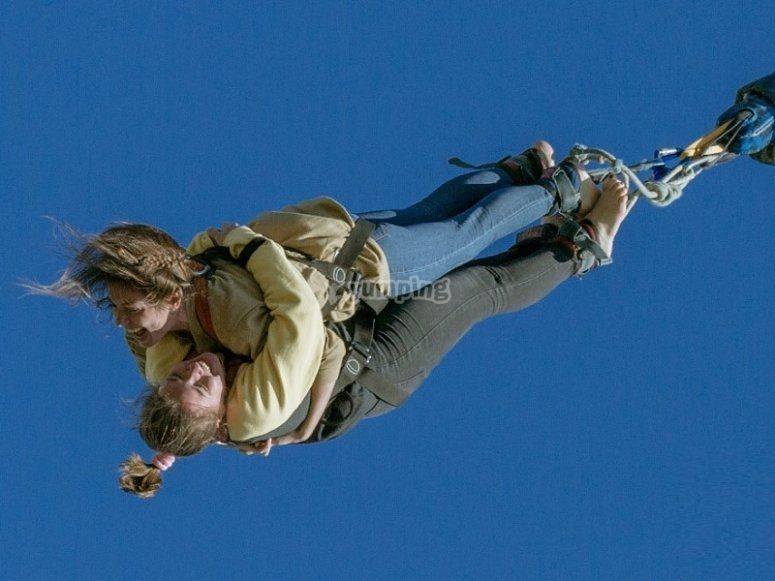 Bungee jumping for two in Barcelona