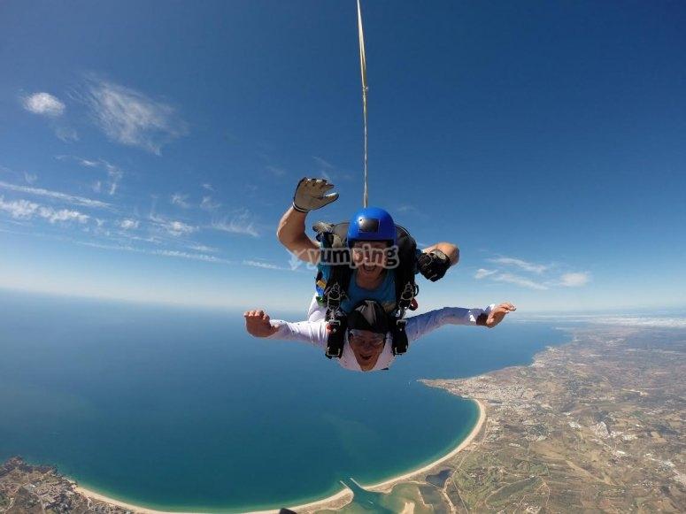 跳转跳转在葡萄牙海岸