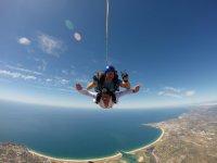 跳伞串联跳伞教练