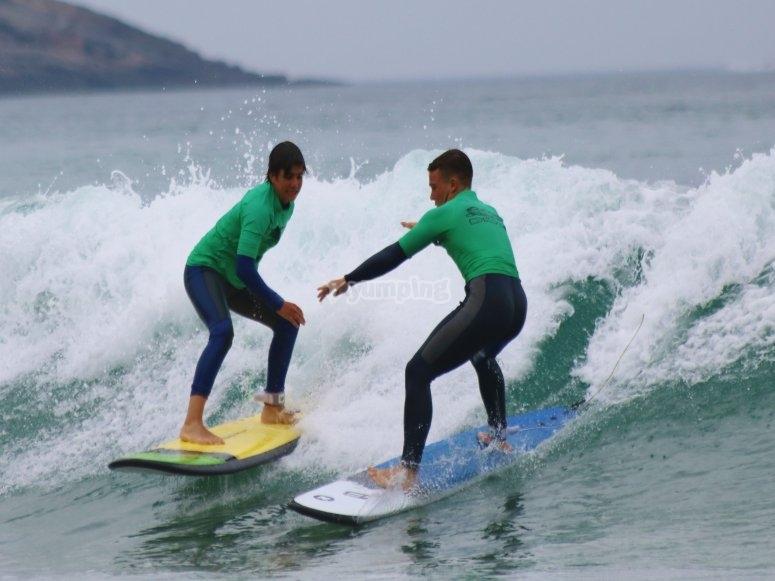 团体冲浪课程