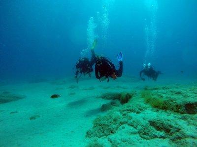 Inmersiones en Lanzarote con buceo nocturno gratis