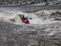 Descenso de piraguas en aguas bravas