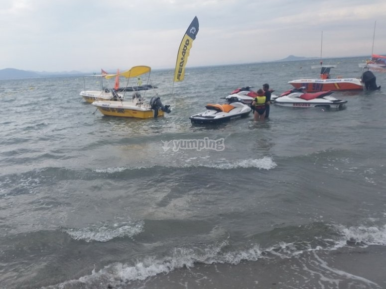 Barca y otros vehiculos
