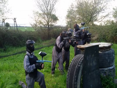 Paintball with 100 paintballs in Loredo