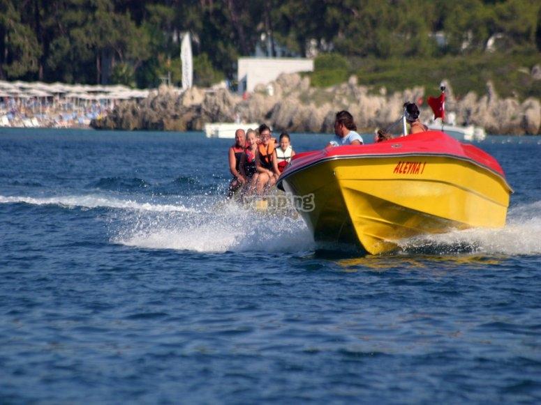 Session in banana boat